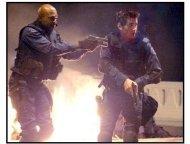 """S.W.A.T."" Movie still: Samuel L. Jackson and Colin Farrell"
