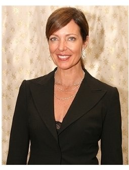 DIC & InStyle Magazine Host 2006 Diamond Fashion Show:  Allison Janney