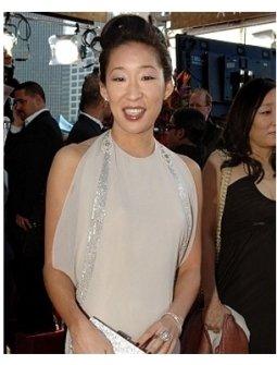 63rd Golden Globes Red Carpet Photos: Sandra Oh