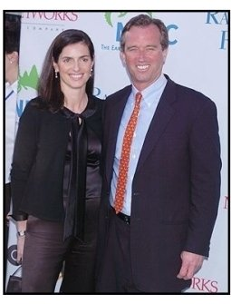 """Robert F. Kennedy Jr. and date at the NRDC's """"Earth to L.A.!-The Greatest Show on Earth"""" Benefit"""