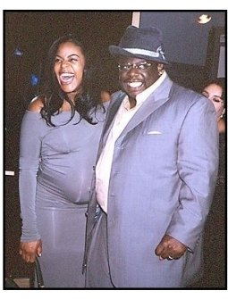 "Cedric the Entertainer with wife Lorna at the ""Intolerable Cruelty"" premiere"