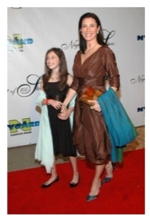 Mimi Rogers and her daughter