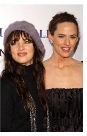 Juliette Lewis and Jennifer Garner