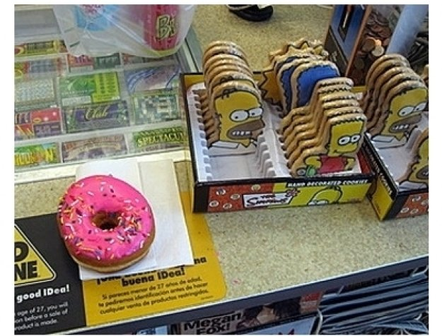 """Simpsons"" Kwik-E-Mart Opens in Manhattan"
