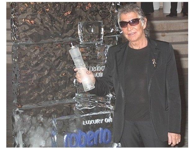 Roberto Cavalli holding Roberto Cavalli Vodka