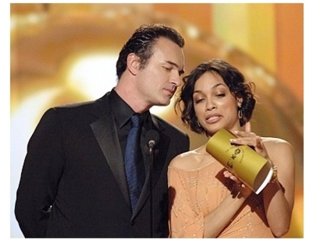 63rd Golden Globes Stage Photos: Julian McMahon and Rosario Dawson
