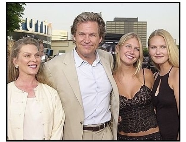 """Jeff Bridges and family at the """"Seabiscuit"""" premiere"""